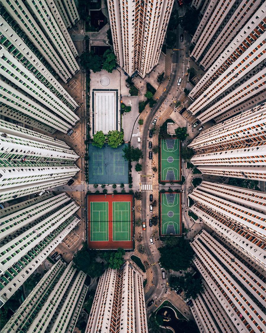 Одиночество в толпе, © Гэри Камминс, Почётное упоминание в категории «Города», Конкурс «Тревел-фотограф года» от National Geographic
