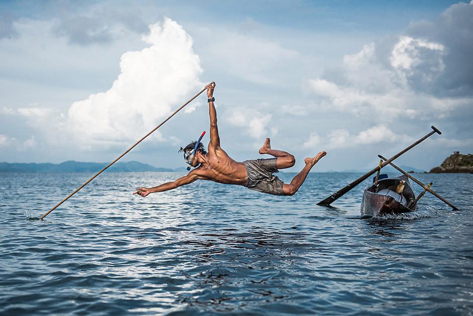 Исчезающий способ промысла от народа Мокен, © Дорте Вернер, США, Фотоконкурс Nikon