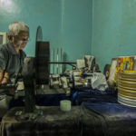 Поиск фильма, © Сагар Ширискар, 2-я премия, Фотоконкурс Nikon