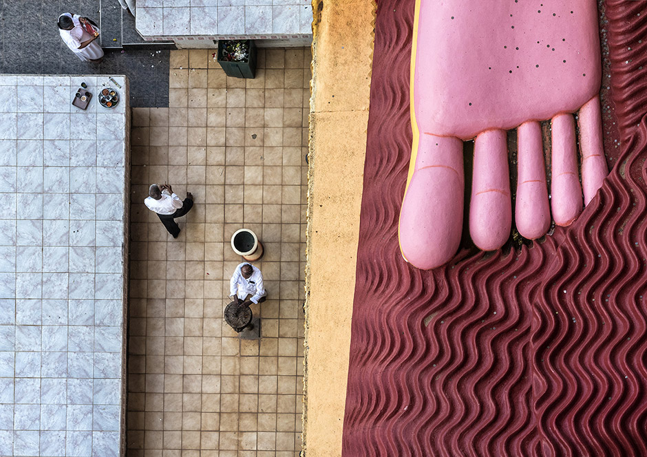 Прихожане в храме Вереханы, © Катя Бидовец, 2-я премия, Фотоконкурс Nikon