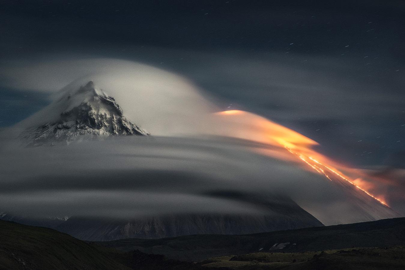 Ночь гигантов, © Александр Ра, Пейзаж, 2 место - Профессионал, Фотоконкурс Nikon «Я в сердце изображения»