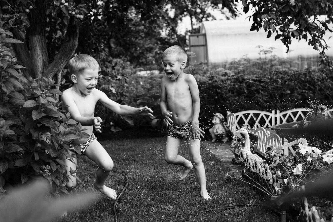 Лето - маленькая жизнь, © Екатерина Гусельникова, Эмоции в кадре, 2 место - Любители, Фотоконкурс Nikon «Я в сердце изображения»