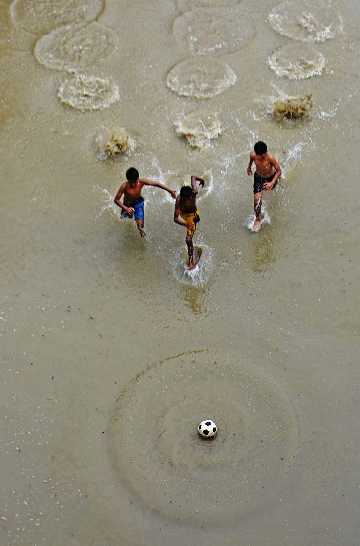 Водный футбол, © Чинмой Бисвас, 3 место в категории «Истории», Фотоконкурс Olympus Global Open