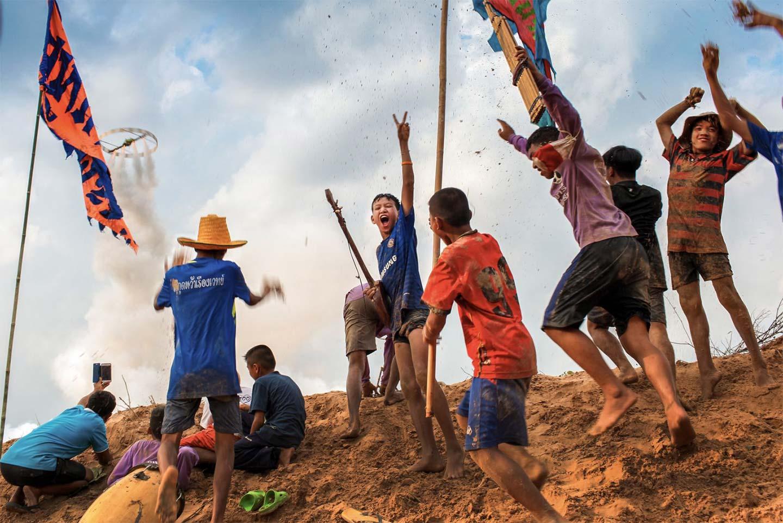 Летит!, © visarut sankham, 1 место в категории «Наедине с природой», Фотоконкурс Olympus Global Open