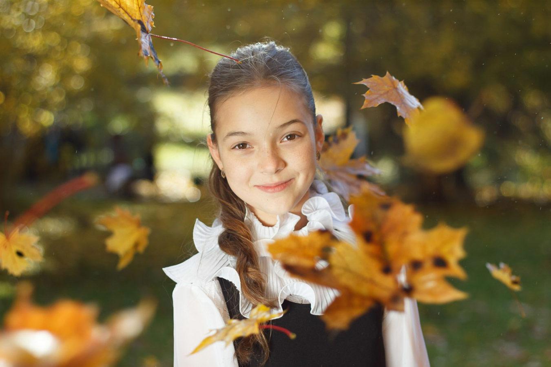 Школьница в парке, © Николай Карпузов, Фотоконкурс «Осенний портрет»