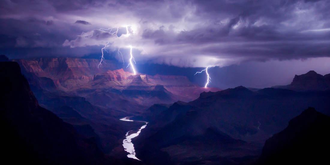 Искра, Гранд-Каньон, США, © Колин Силлеруд, США, 1 место, Конкурс панорамной фотографии EPSON Pano Awards
