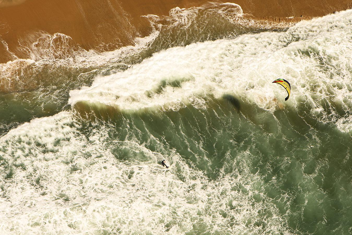 «Великий серфинг», © Яссен Тодоров / Jassen Todorov, Сан-Франциско, США, Финалист в категории «Экшн / Приключения» – любитель, Фотоконкурс «Адреналин» — Спортивная и экшн-фотография