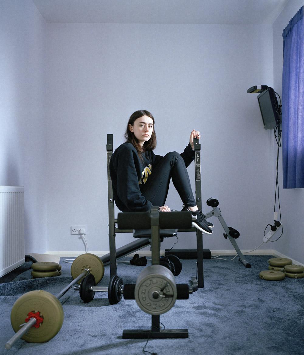 Джесс в тренажерном зале, © Джессика Харди, Басилдон, Великобритания, Финалист категории «Любитель: Автопортреты», Конкурс портретной фотографии «Лица»