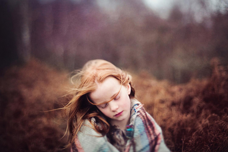 Сновидение лета, © Тире Доусон, Кендал, Великобритания, Первое место в категории «Профессионал: Младенцы / Дети», Конкурс портретной фотографии «Лица»