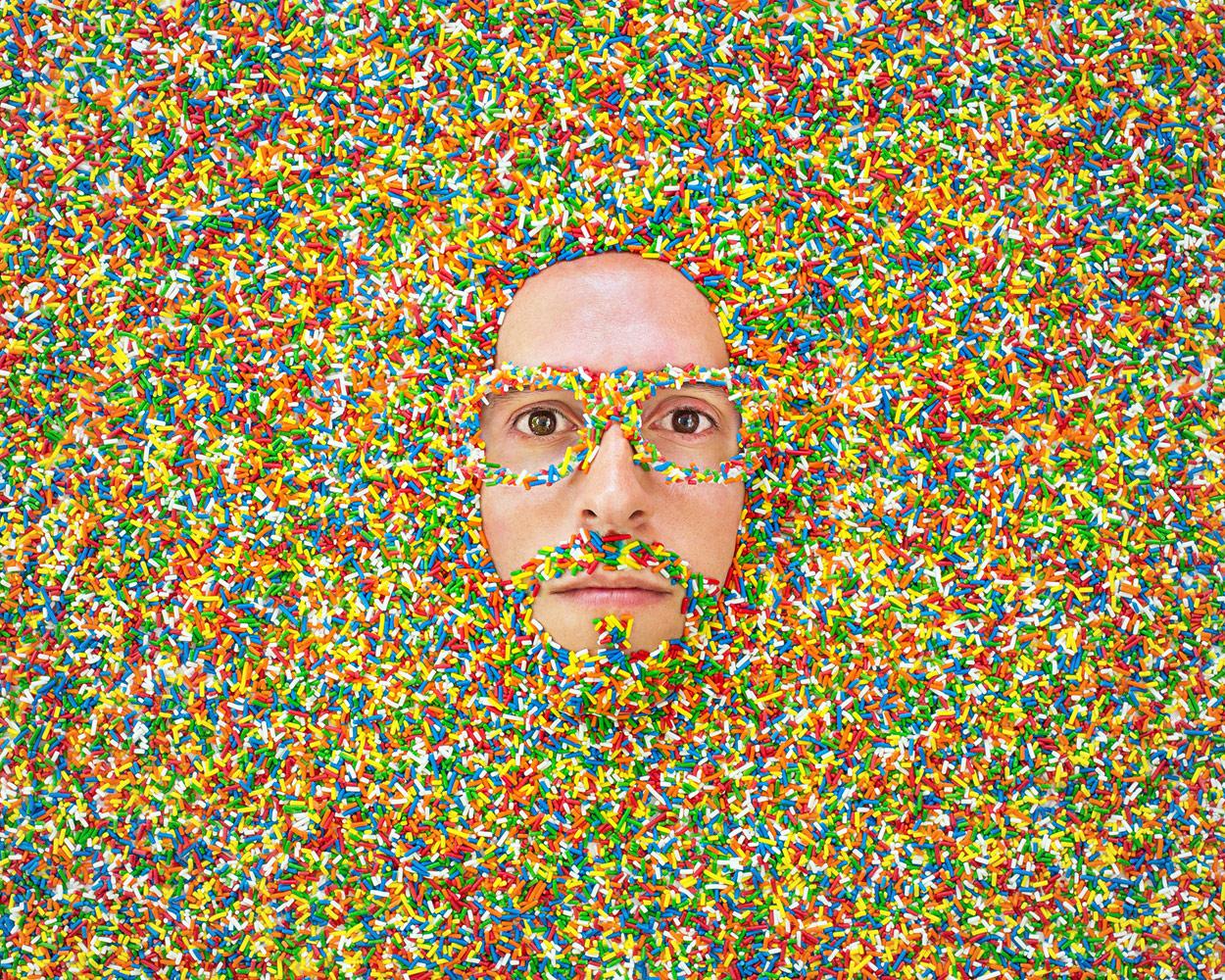 Спринклерная выставка, © Джейсон Трэвис, Венеция, США, Первое место в категории «Профессионал: Автопортреты», Конкурс портретной фотографии «Лица»