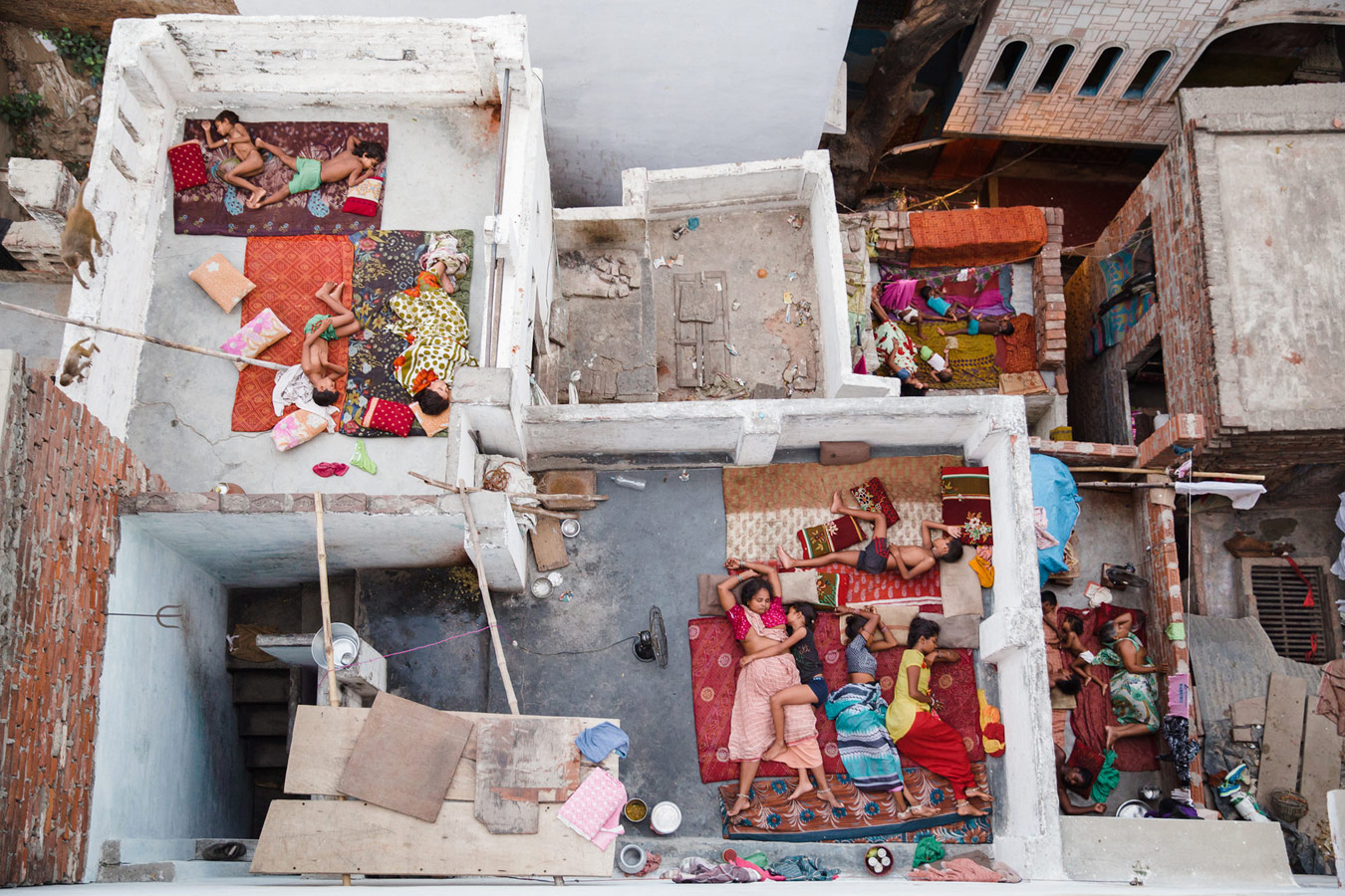 Сны на плоской крыше Варанаси, 2015 год, © Ясмин Мунд, Сидней, Австралия, Финалист категории «Пейзажи» : Профессионал, Конкурс фотографии «Перспективы» — Perspectives PhotoPlus Expo