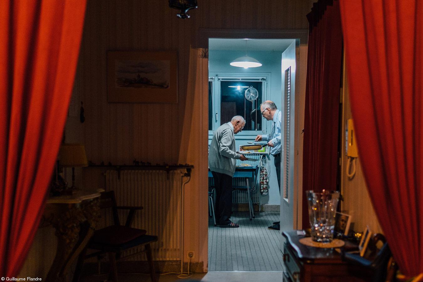 Семейный ужин, © Гийом Фландре, Великобритания, 1-е место, категория «Еда для семьи», Фотоконкурс Pink Lady Food