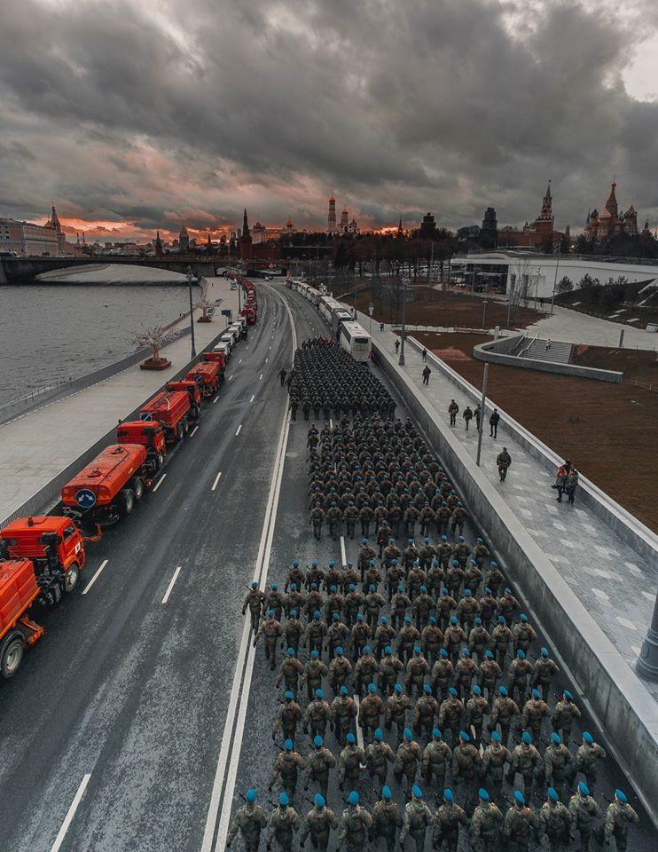 Шагом марш!, © Виктор Коновалов, 3 место в номинации «Москва и москвичи. Комфортный город», Фотоконкурс «Планета Москва»