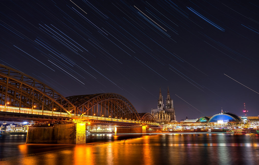 Звездная ночь в Кельне, Германия, © Донг Хан, Финалист категории «В городе», Фотоконкурс «Ночной пейзаж» — Photo Nightscape Awards