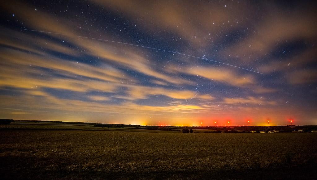 Симбиоз звездной ночи, Франция, © Реми Баучер, 1 место в категории «Молодёжная», Фотоконкурс «Ночной пейзаж» — Photo Nightscape Awards