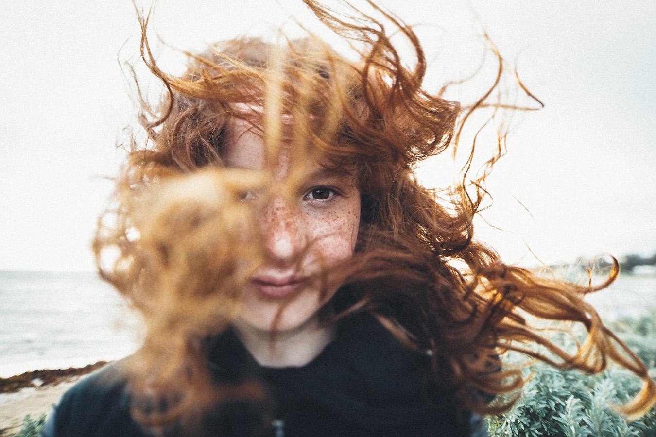 «Веснушки + Ветер», © Анна Тейлор / Anna Taylor, Мельбурн, Австралия, Первое место в категории Профессионал : Портреты, Фотоконкурс «Стиль жизни» / Lifestyle Photography Competiton