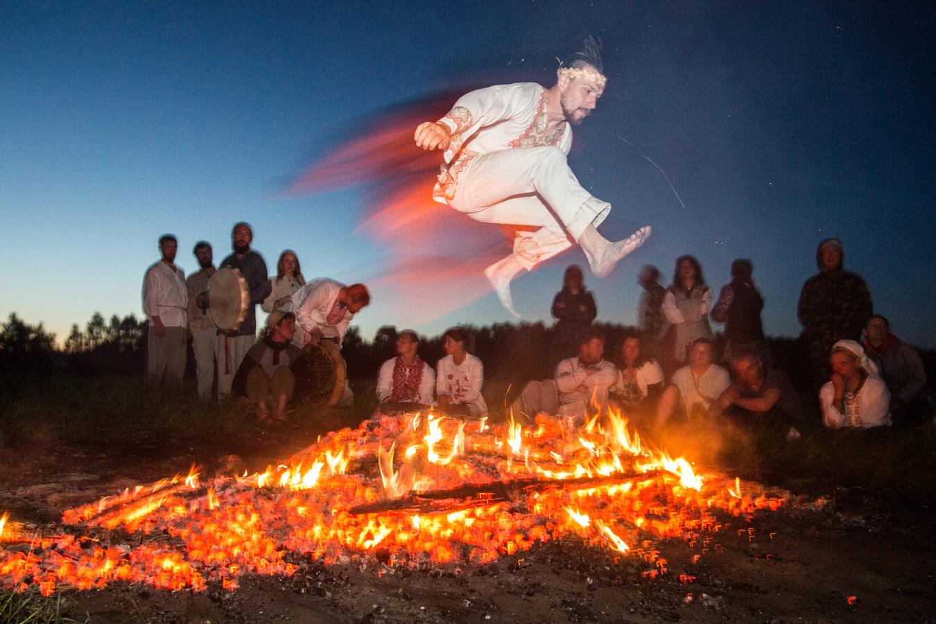 Огненный прыжок, © Дмитрий Феоктистов (Омская область, деревня Окунево), Фотоконкурс «Русская цивилизация»