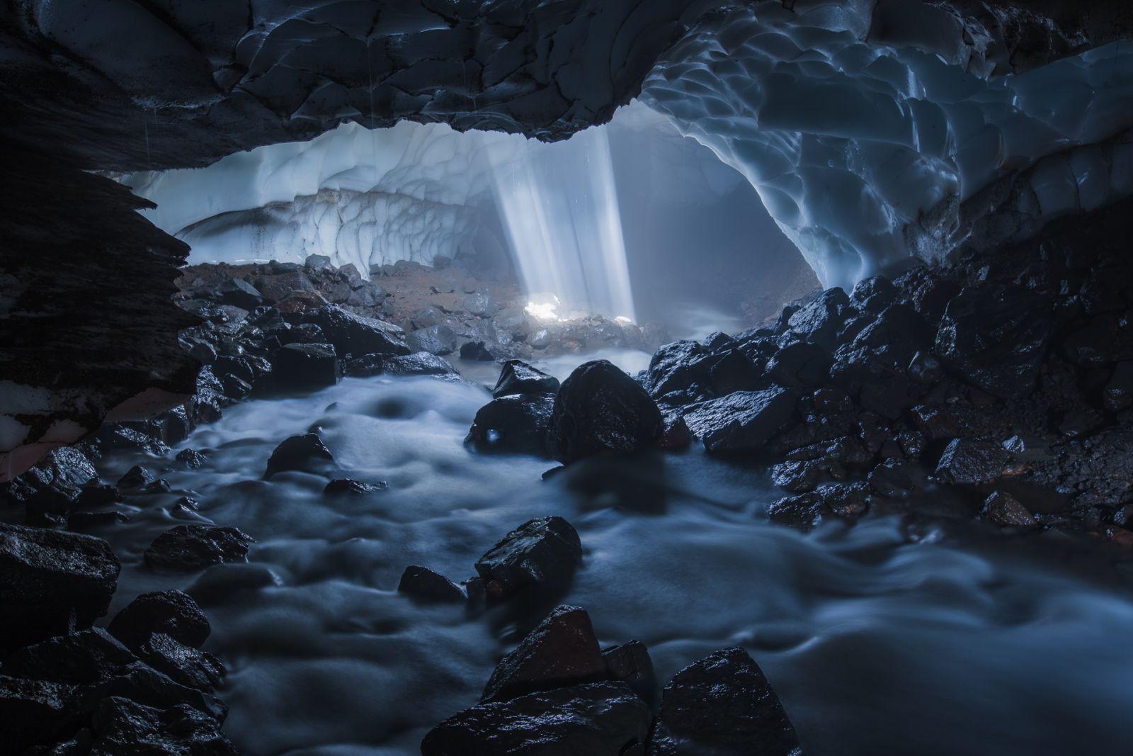 Ледяная река, Марина Маликова, Место съемки: Камчатка, Номинация «Пещеры России», Фотоконкурс «Самая красива страна»
