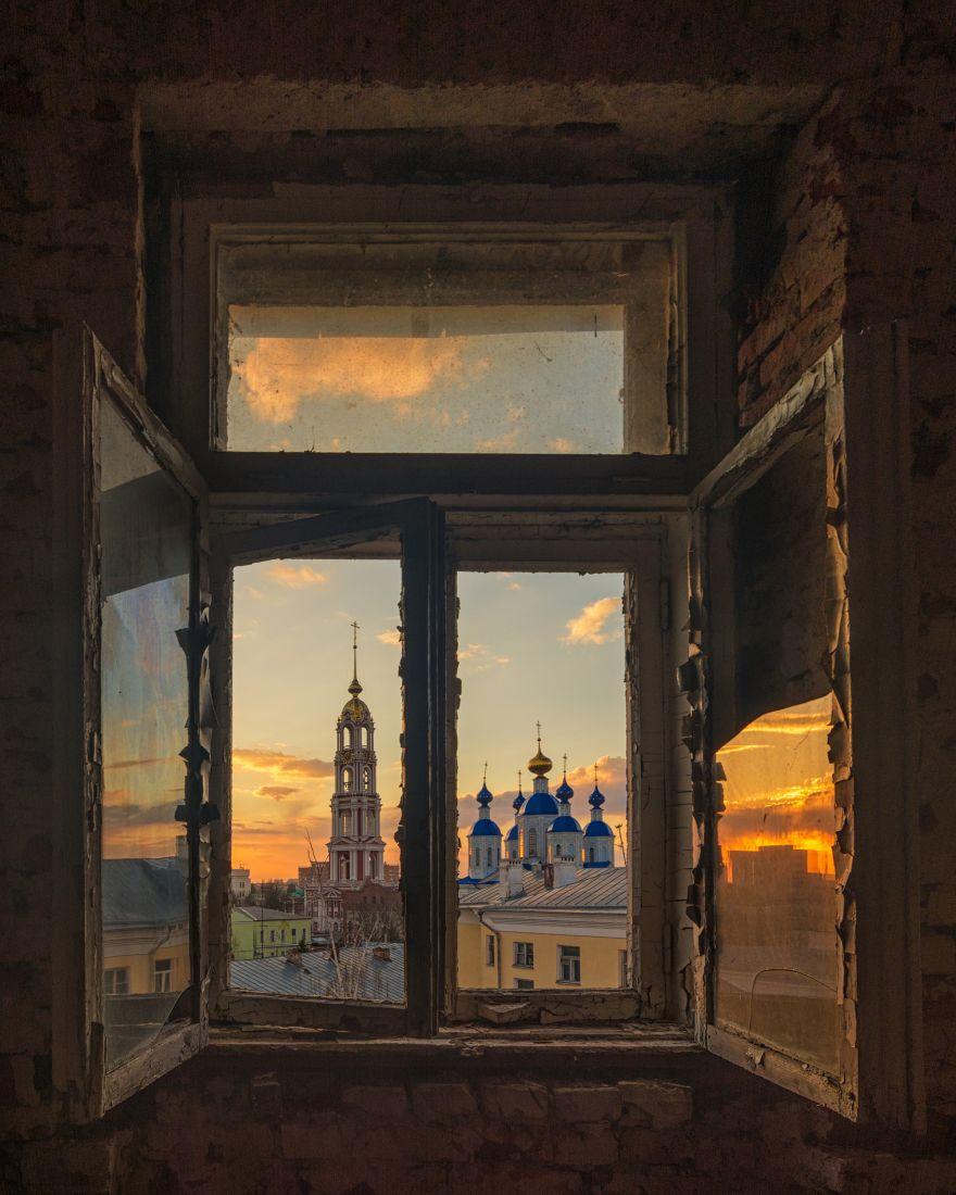 Взгляд сквозь старое окно, Валерий Горбунов, Место съемки: Тамбов, Номинация «Культурное наследие России», Фотоконкурс «Самая красива страна»