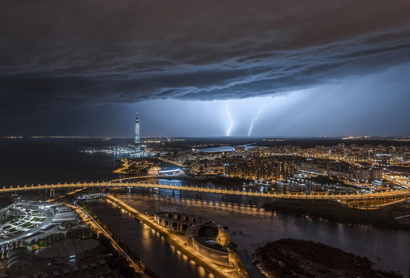 Гроза в Петербурге, © Антон Галахов