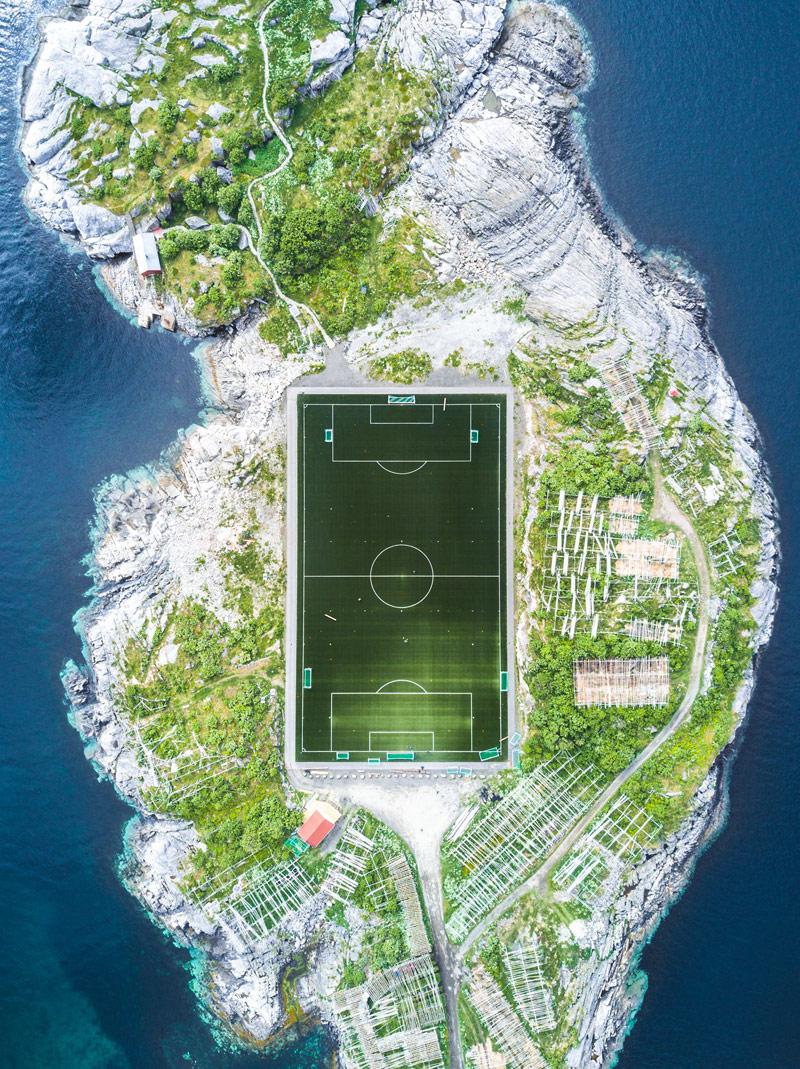 Футбольное поле Хеннингсвера, © Миша Де-Строев, Франция, 2 место, Фотоконкурс Siena