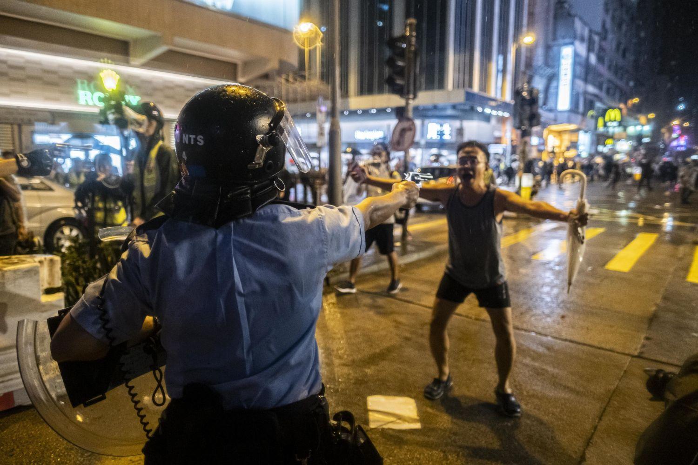 Ик Фей Лам Нью-Йорк Таймс / Гонконг