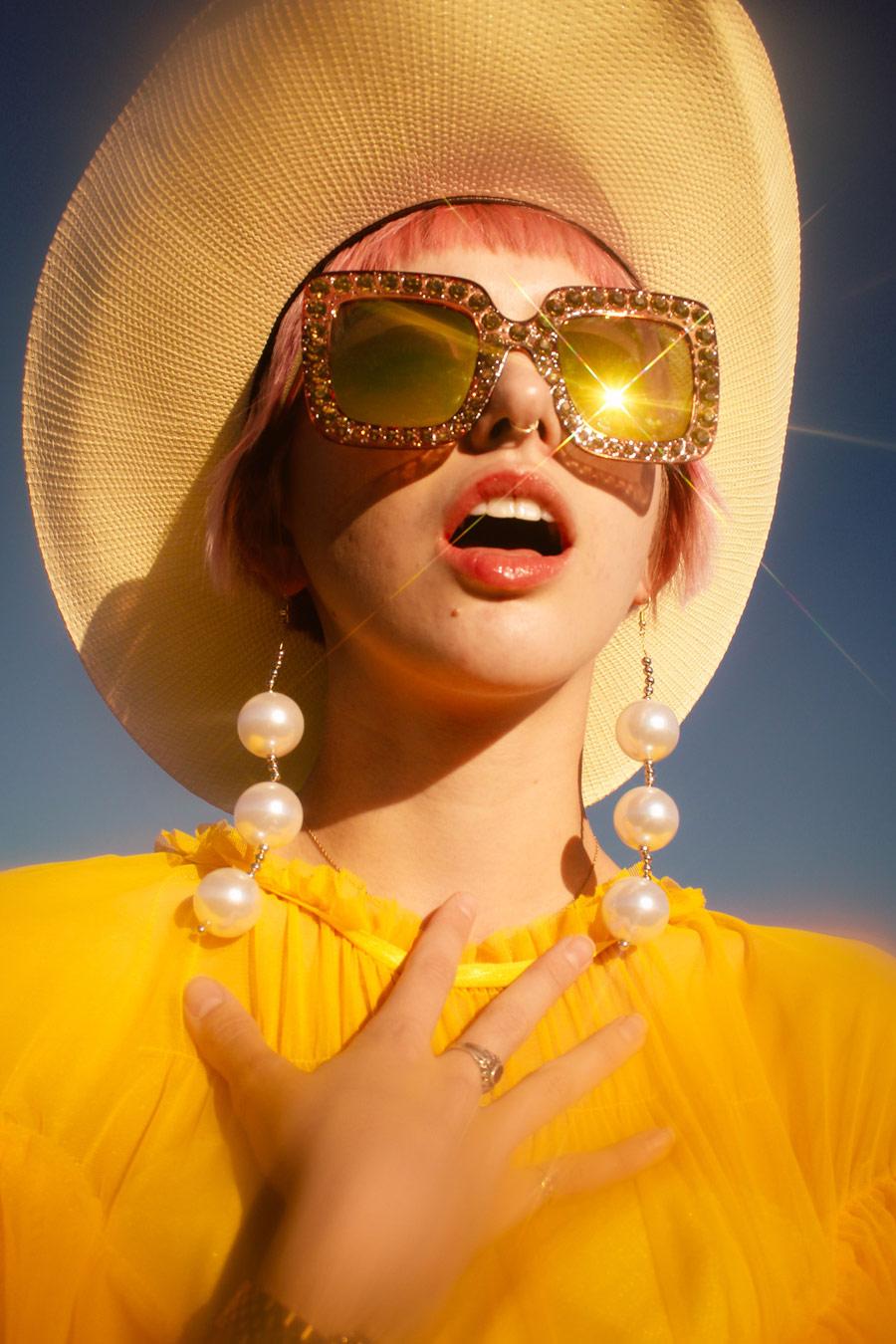 Выпускной вечер 80-х в космосе, © Дани Беннетт, Кейв Крик, США, Финалист категории «Дебют / Студент», «Взгляд» — фотоконкурс на тему «Мода» | PDN The Look