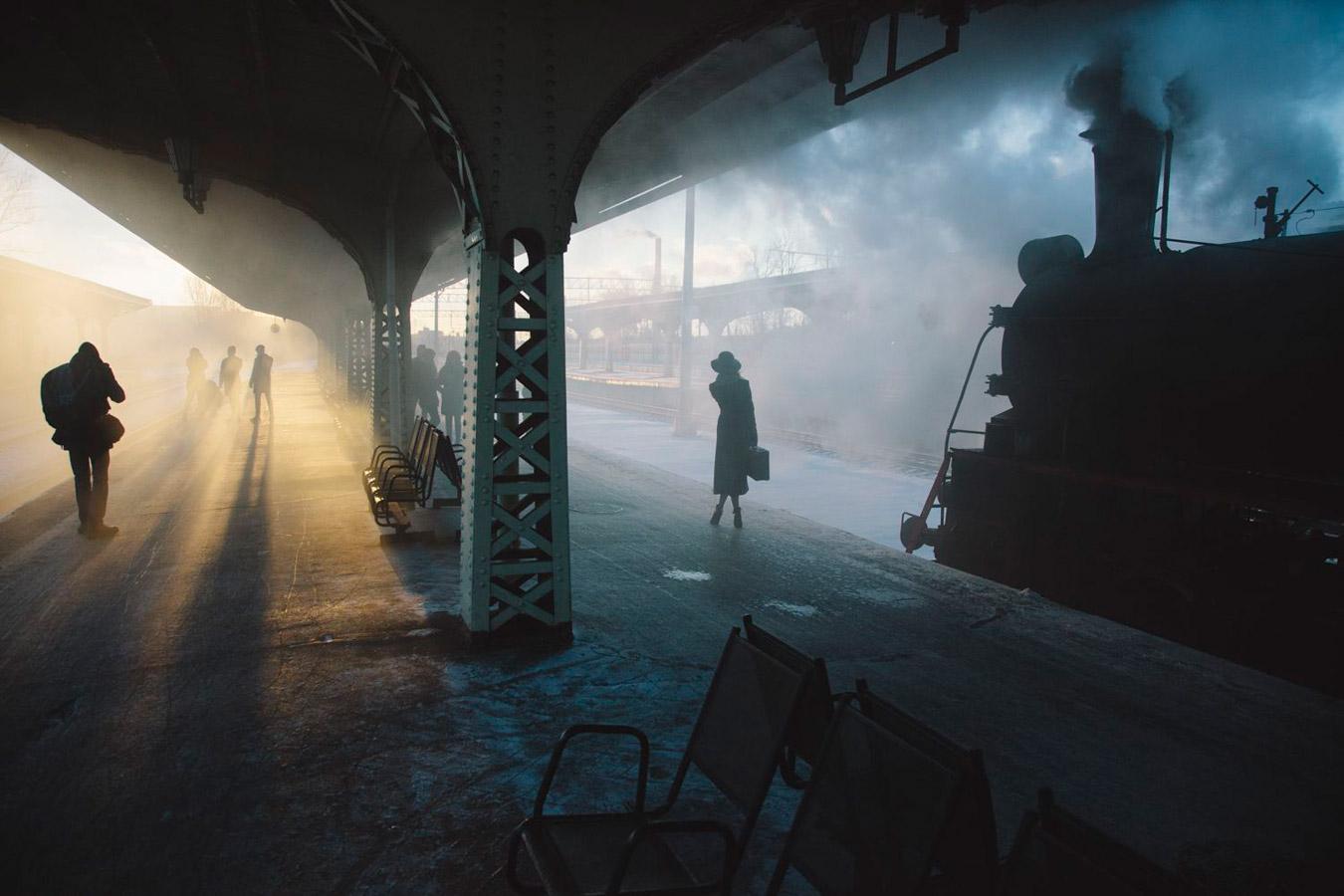 Двое на вокзале, © Николай Щеголев, Фотоконкурс «Погодный фотограф года» — Weather Photographer of the Year