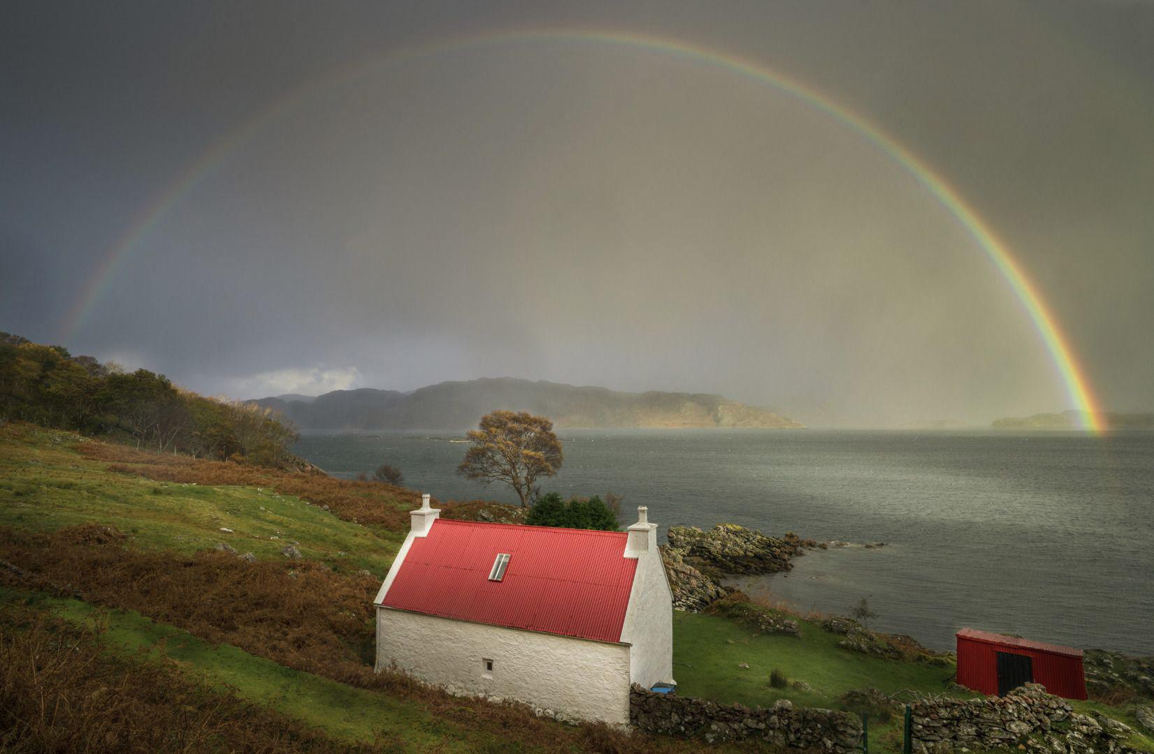 Радуга в Торридоне, © Джейсон Хадсон, Фотоконкурс «Погодный фотограф года» — Weather Photographer of the Year