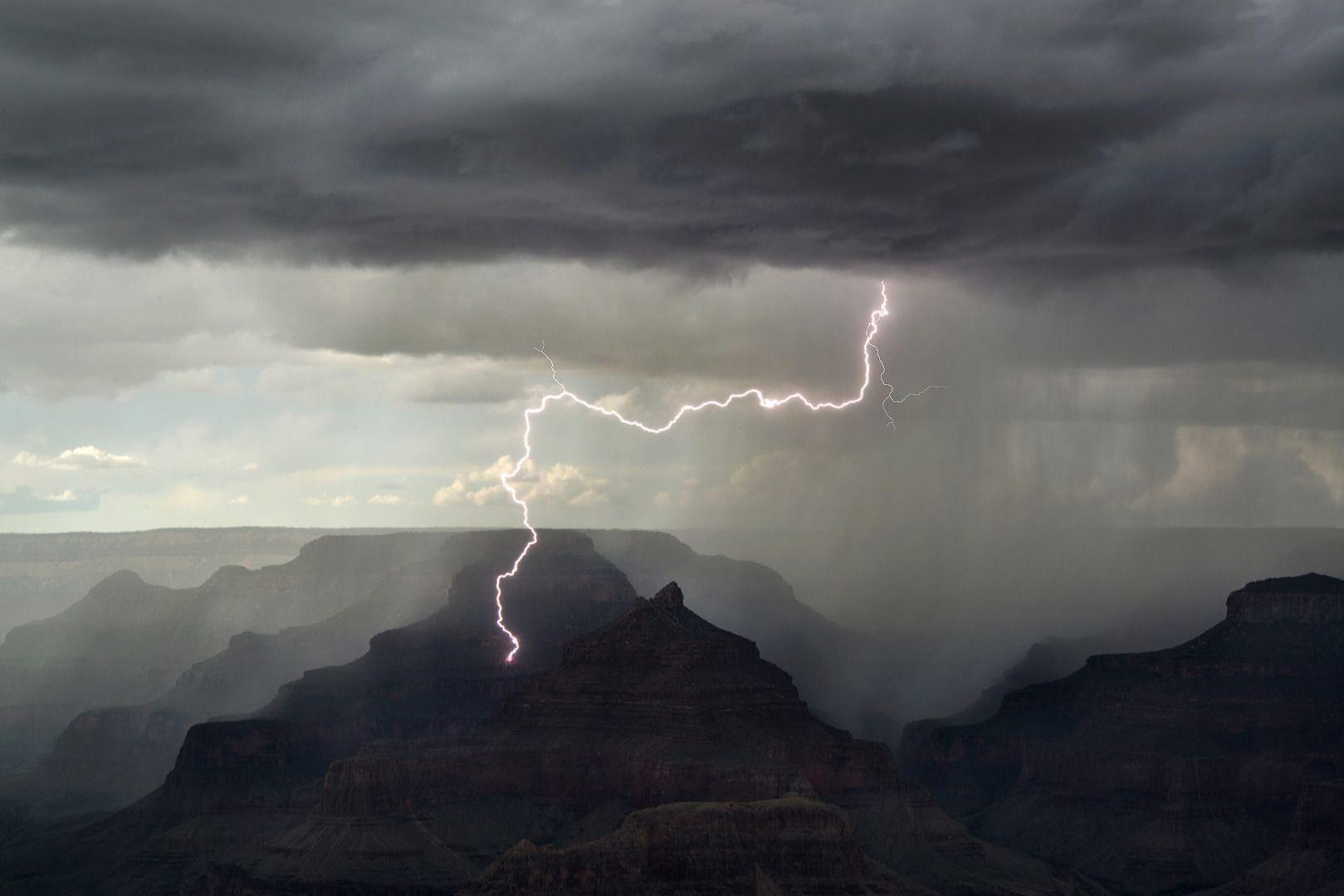 Удачный выстрел, © Кевин Юберг, Фотоконкурс «Погодный фотограф года» — Weather Photographer of the Year