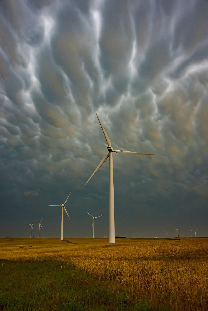 Облака и ветряки, © Тина Райт, Фотоконкурс «Погодный фотограф года» — Weather Photographer of the Year