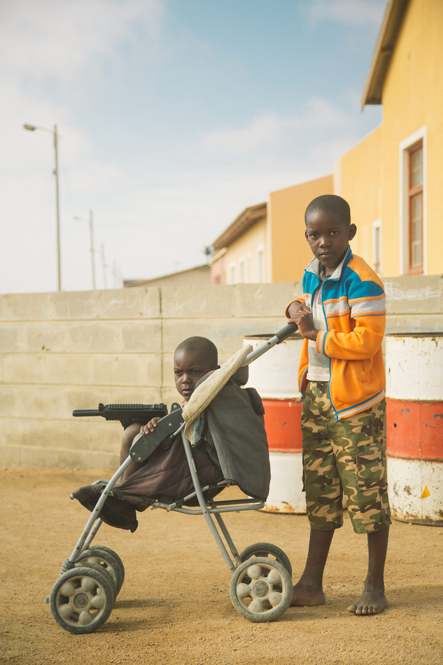Дети солдатов, © Оуисурф, Монреаль, Финалист категории «Портреты в путешествии», профессионал, Фотоконкурс экстремальных путешествий «Мир в фокусе» — World In Focus