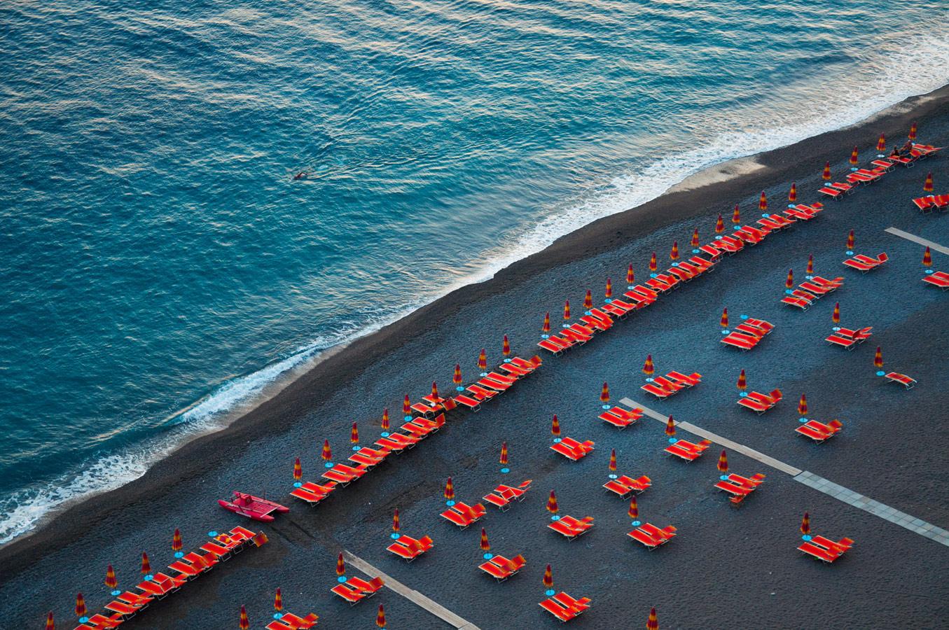 Пляж Spiaggia Grande, © Джулетте Чарвет, Бруклин, США, 1-е место в категории «Настроение места», профессионал, Фотоконкурс экстремальных путешествий «Мир в фокусе» — World In Focus