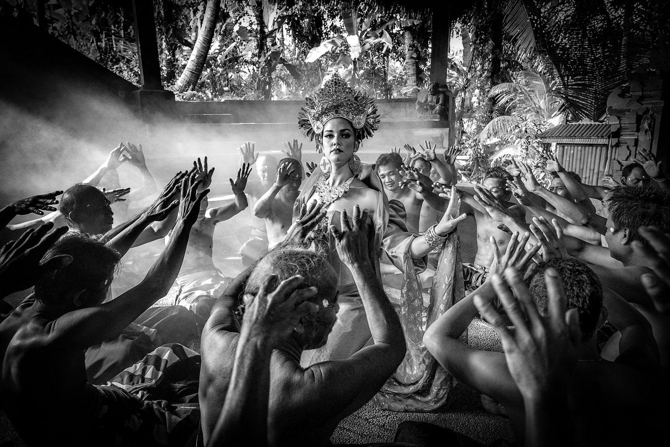 Балийские портреты, © Робин Юн, Канберра, Австралия, Финалист категории «Фотоистории», любитель, Фотоконкурс экстремальных путешествий «Мир в фокусе» — World In Focus