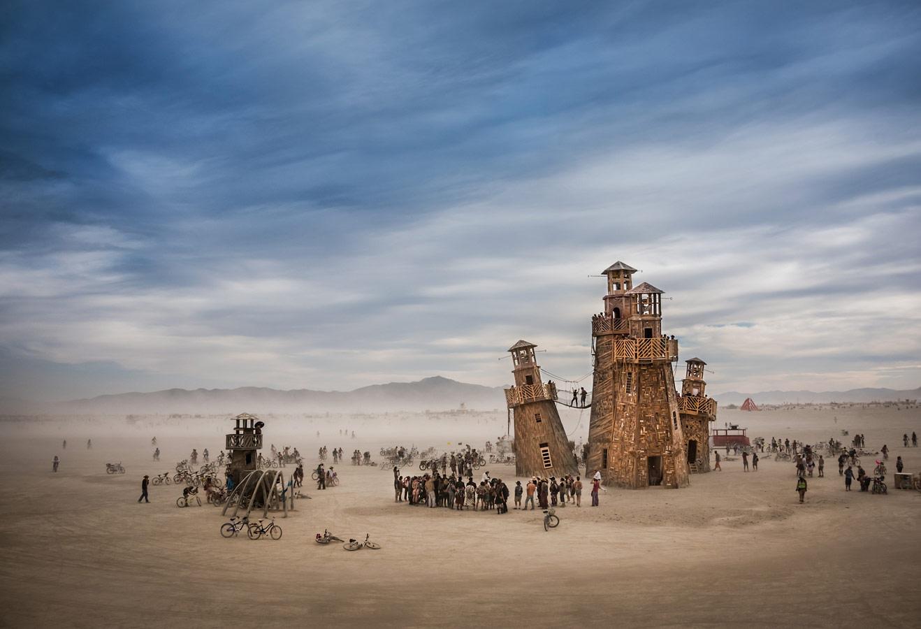 Маяки и приближающаяся пыльная буря, © Том Шталь, Сан-Франциско, США, Финалист категории «Настроение места», любитель, Фотоконкурс экстремальных путешествий «Мир в фокусе» — World In Focus