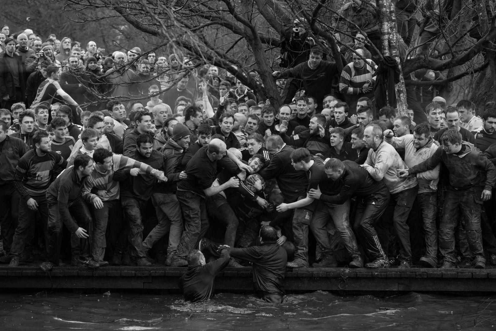Королевский Масленичный футбол, © Оливер Скарфф, Великобритания, 1-й приз : одиночный кадр, Фотоконкурс World Press Photo