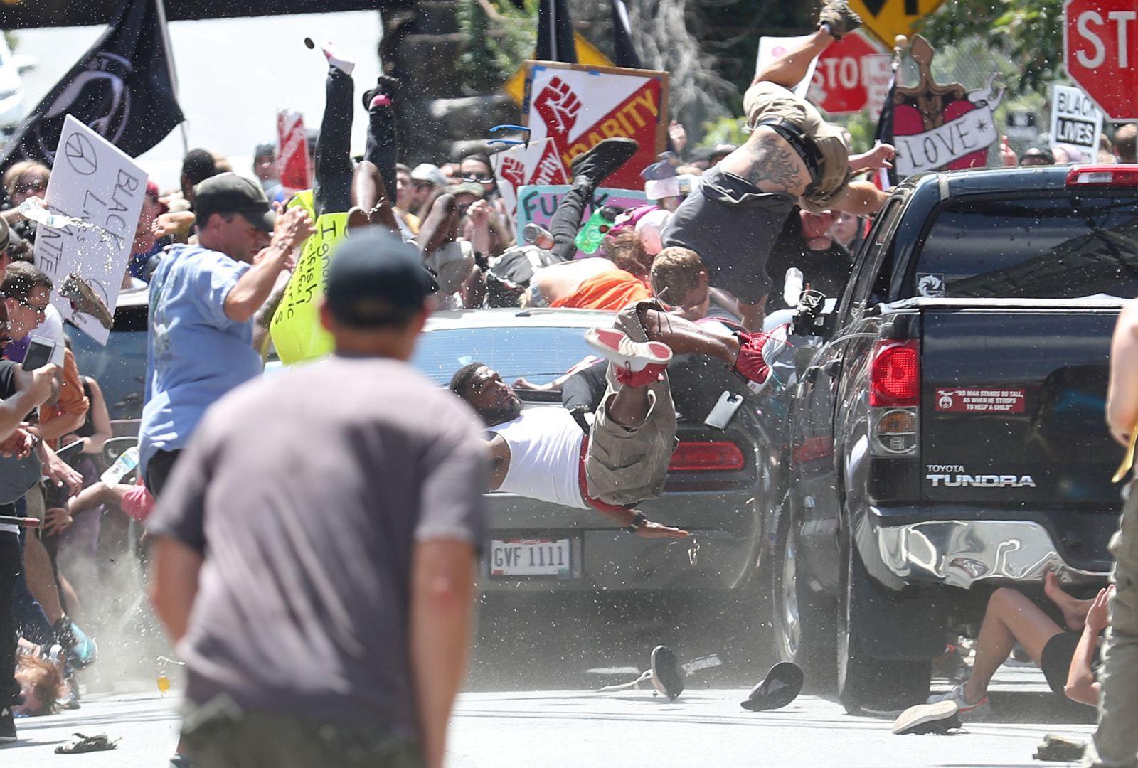 Автомобильная атака, © Райан Келли, США, 2-й приз : одиночный кадр, Фотоконкурс World Press Photo
