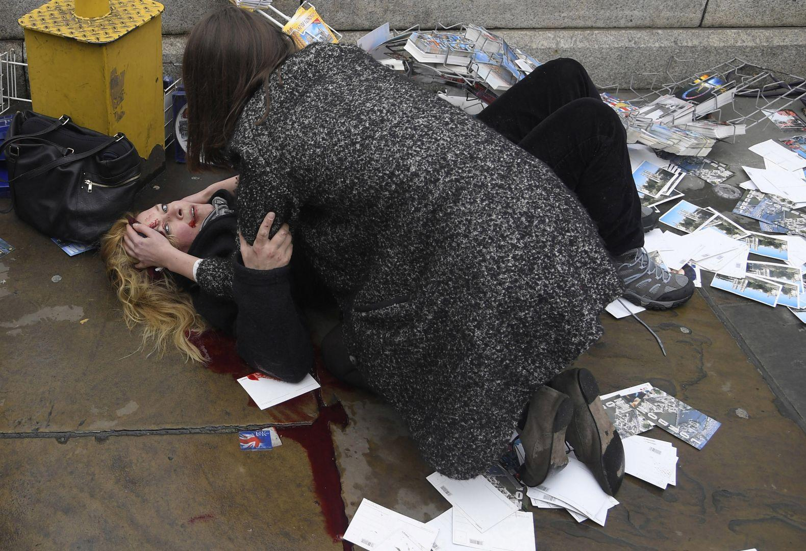 Последствия нападения в центре Лондона, © Тоби Мелвилл, Великобритания, 2-й приз : серия, Фотоконкурс World Press Photo