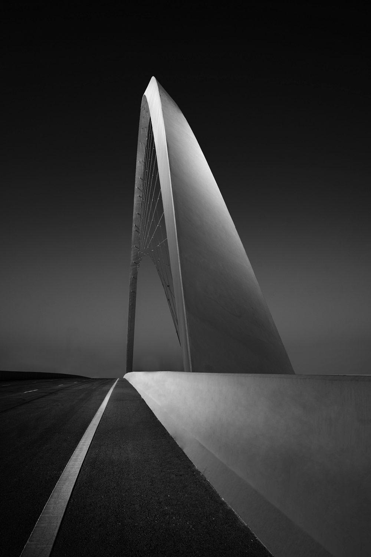 Взгляд на мост, © Минас СТРАТИГОС, 1-е место в категории «Архитектура», непрофессионал, Фотоконкурс «Зебра» — Zebra — Чёрно-белый фотограф года