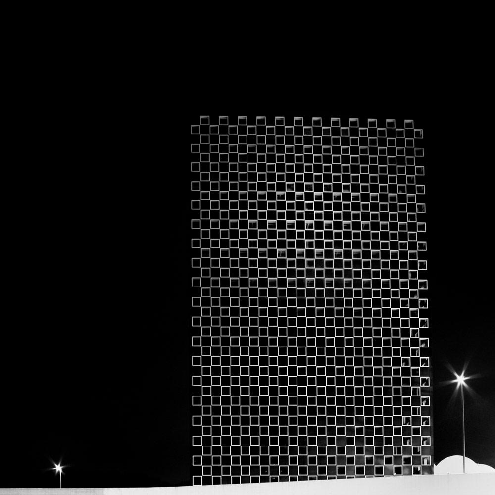 Монолит, © Аурелио БОРМИОЛИ, 3-е место в категории «Архитектура», непрофессионал, Фотоконкурс «Зебра» — Zebra — Чёрно-белый фотограф года